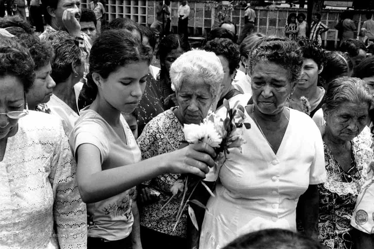 colombia violence war conflict photo